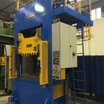 200t press with ejector
